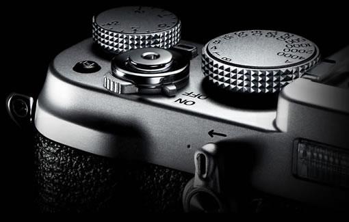 2012 Február – jön a Fuji cserélhető objektíves gépe