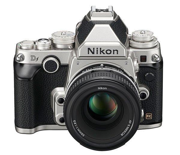 Íme a Nikon Df ezüst és fekete színben