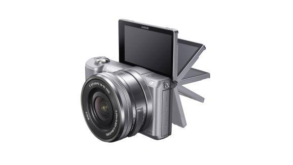 Itt a Sony A5000…megszűnik a NEX márkanév?