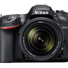 Megérkezett a Nikon D7200
