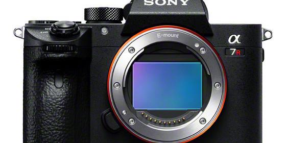 Váratlanul bejelentették a Sony A7R III-at!