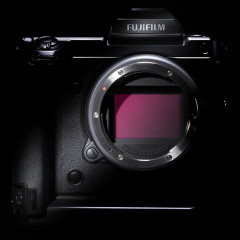 Óriásit durrantott a Fujifilm középformátum fronton!