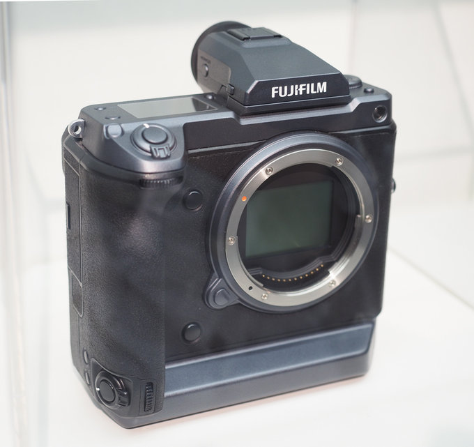 Fujifilm-GFX-100MP-medium-format-camera3