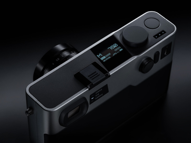 Pixii-camera-with-Leica-M-mount1